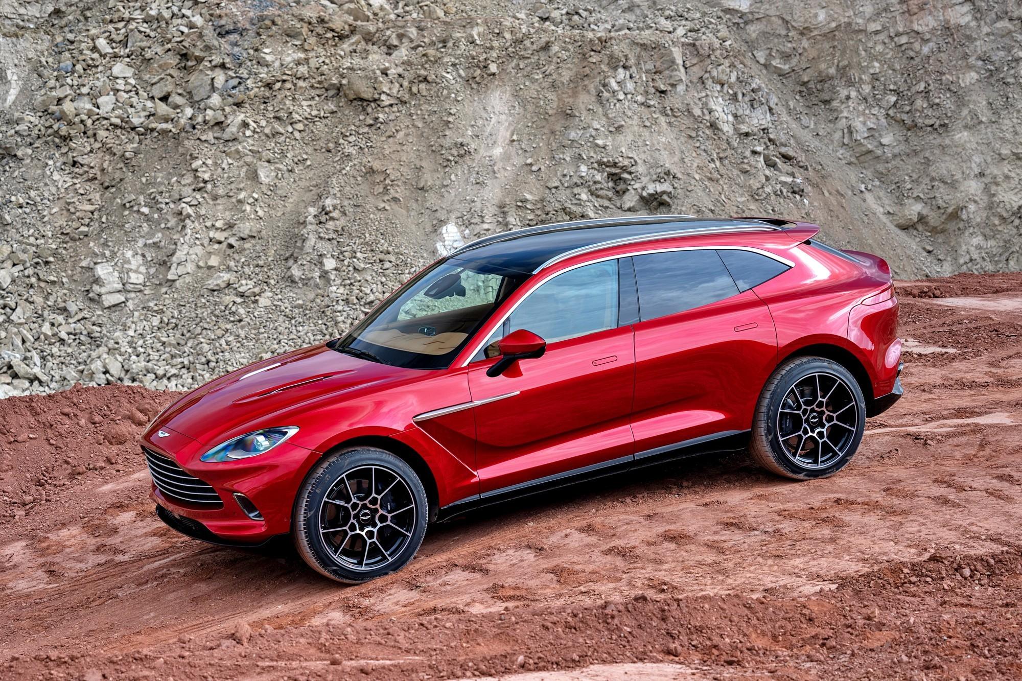 Планы Aston Martin: два электрокара, увольнение рабочих и сворачивание проекта Lagonda