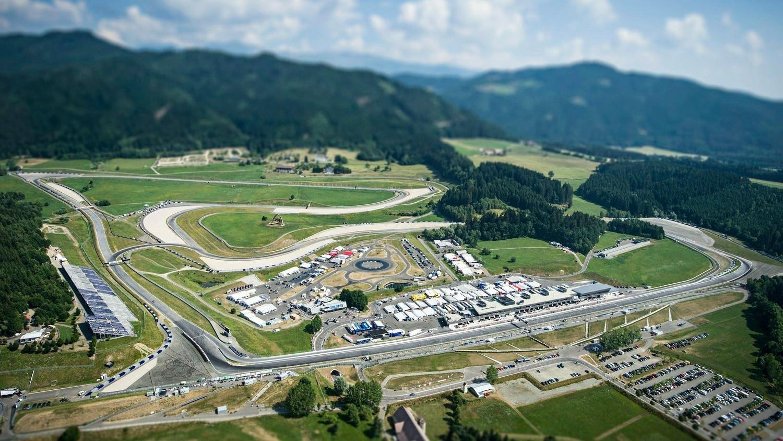 С 1997 года гонки на трассе в Шпильберге проводятся по укороченному кольцу