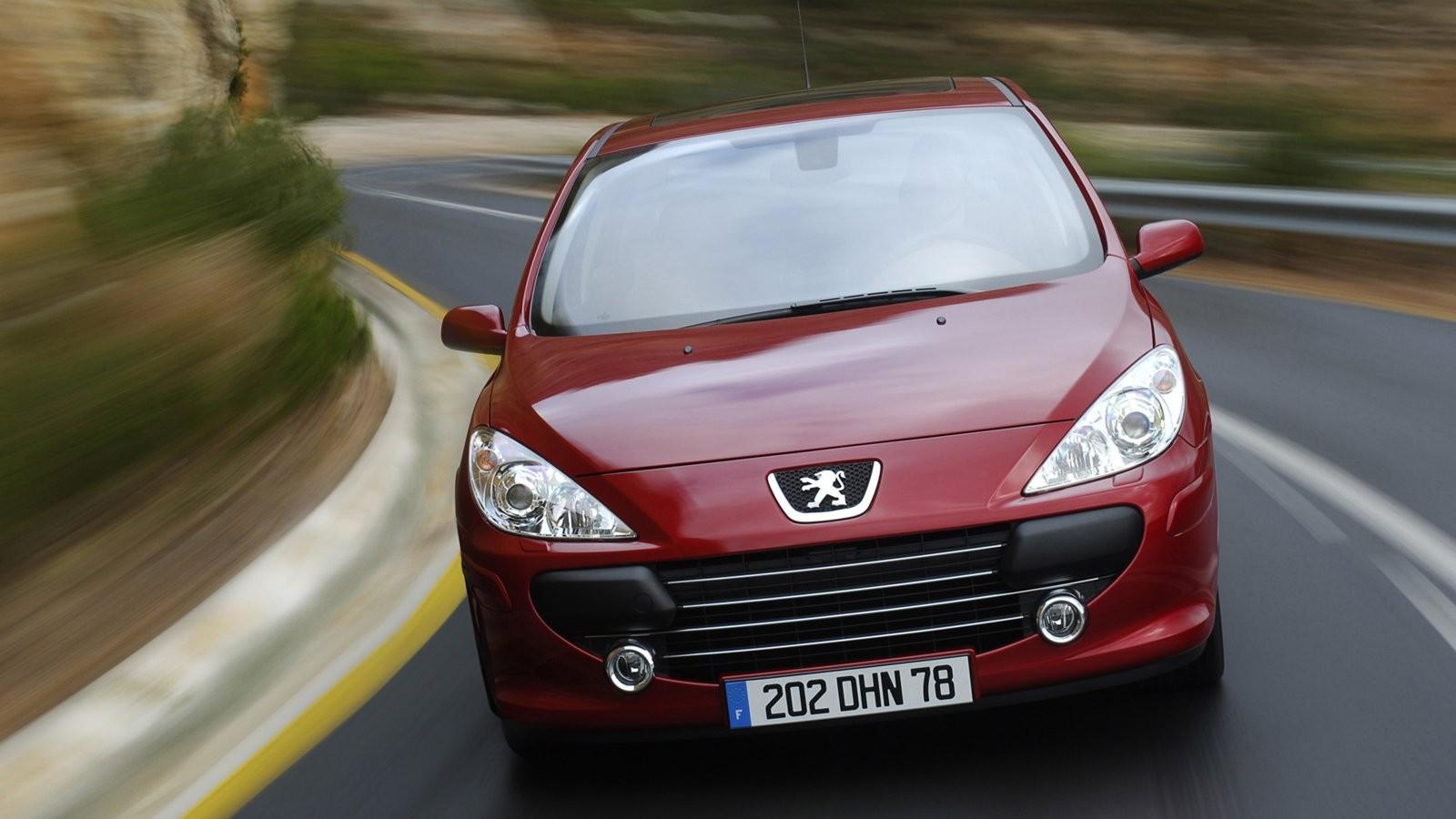 На фото: Peugeot 307 '2005