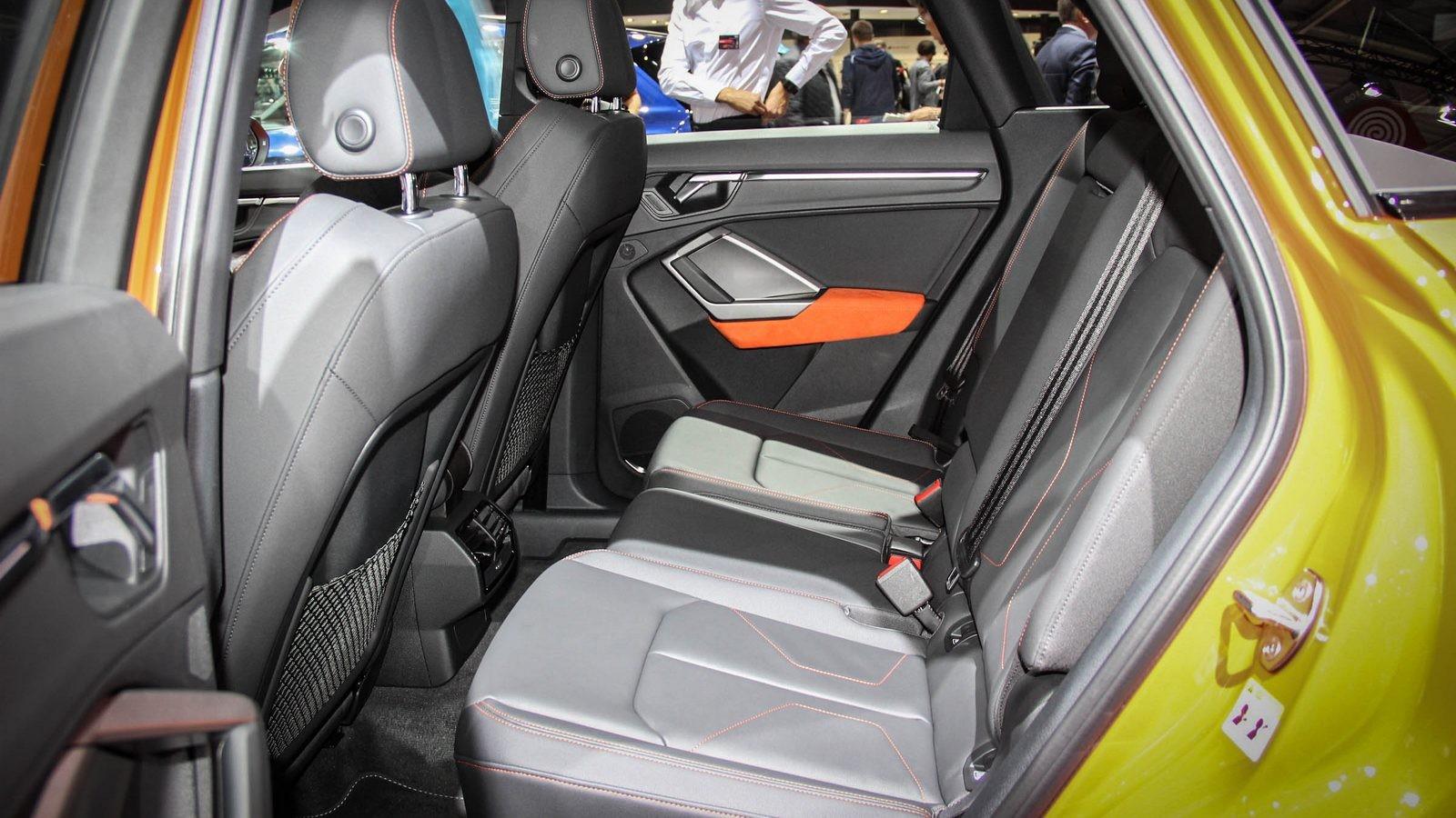 Audi Q3 задние сидения