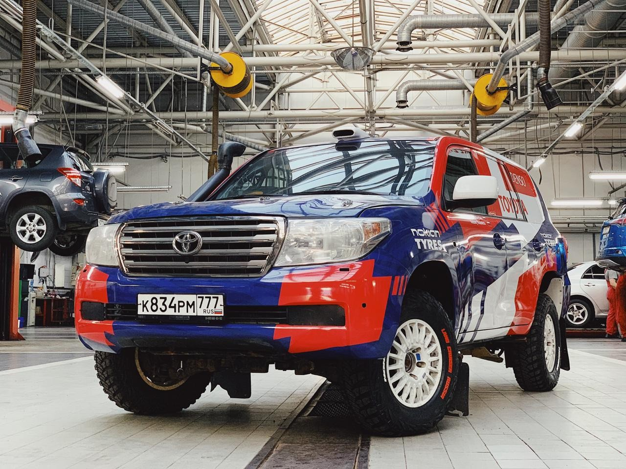 Toyota Land Cruiser 200 (class T2) (1)
