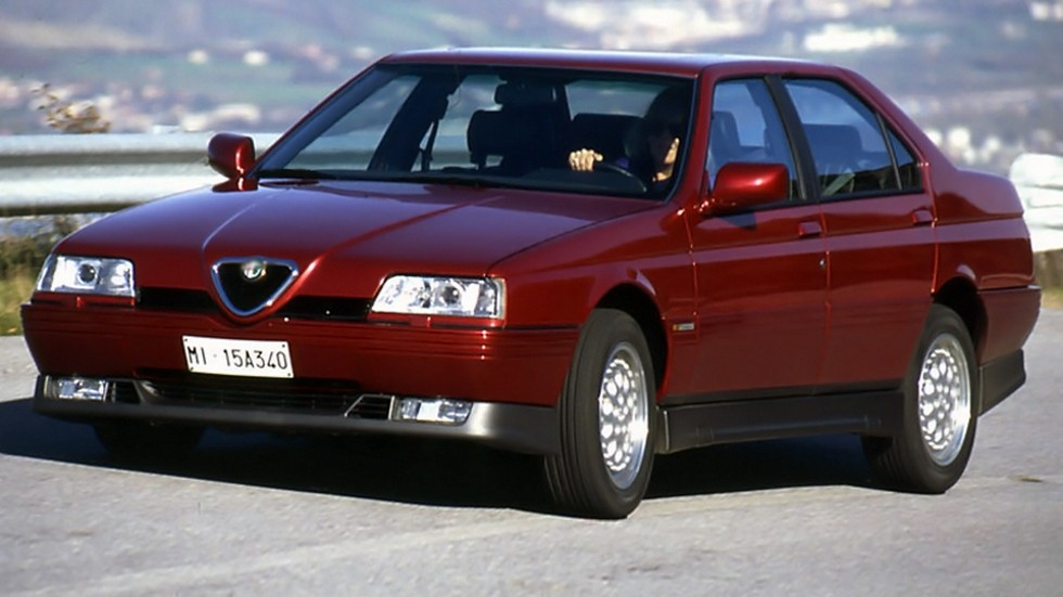Alfa 156 на ходу вид три четверти