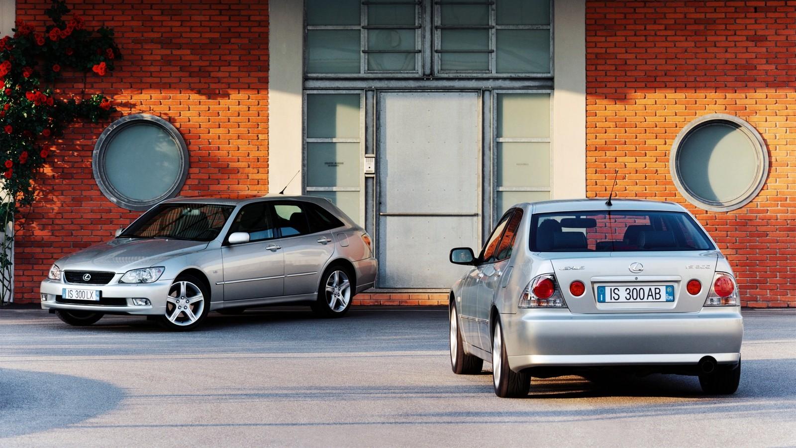 На фото: Lexus IS '1999–2005