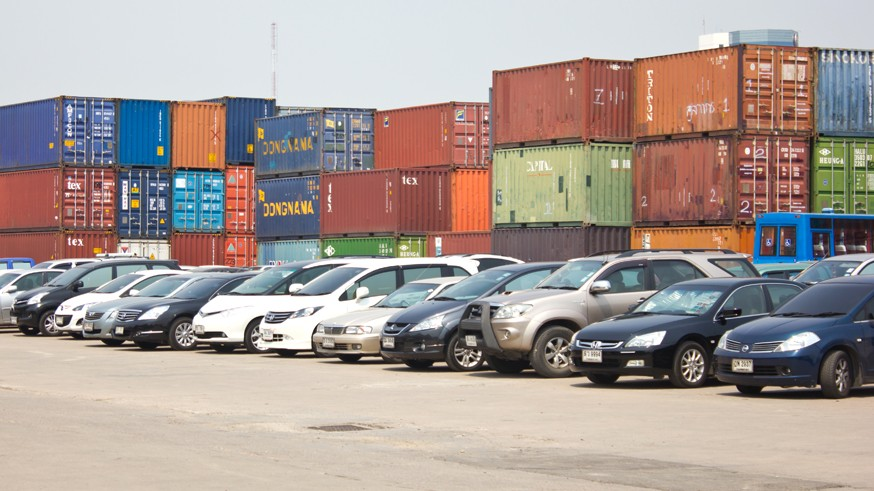 BANGKOK - MARCH 6 : Many cars park at Klong Toey port on March 6