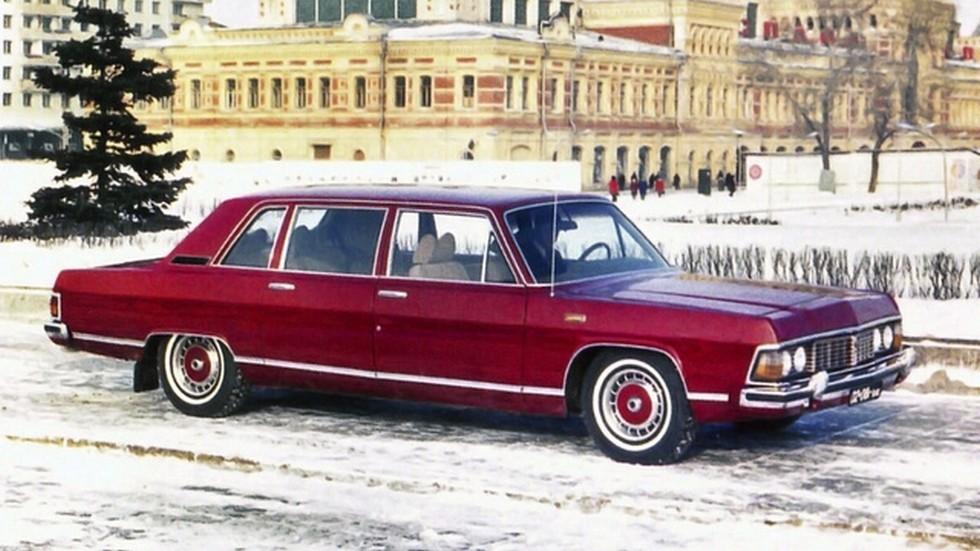 Такую «цветную» Чайку торжественно подарили Брежневу