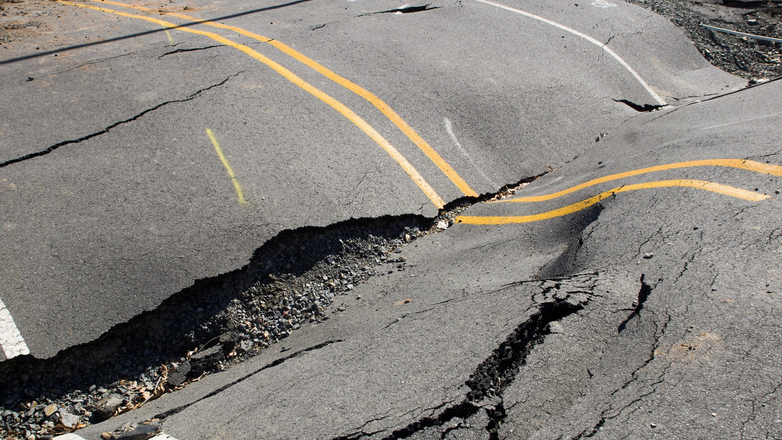 Cracks in the road, roadway violation