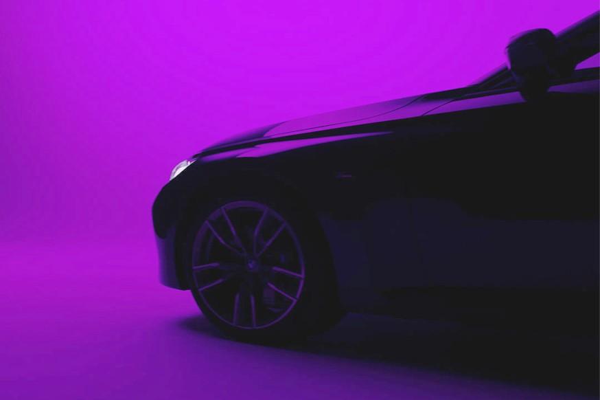BMW дразнит тизером 2 series Coupe следующего поколения, хотя внешность новинки уже не секрет