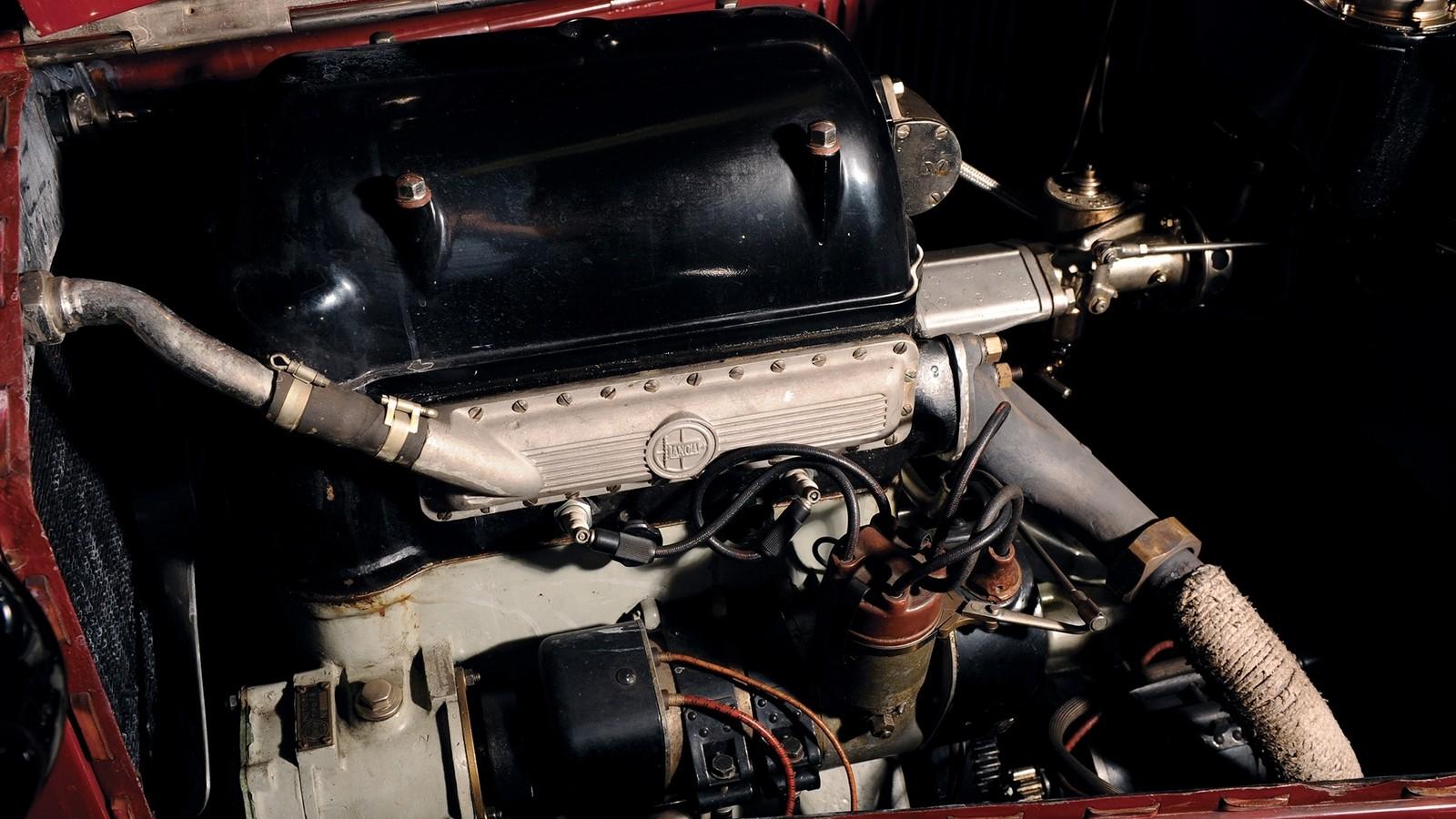 На фото: Под капотом Lancia Lambda '1922–25