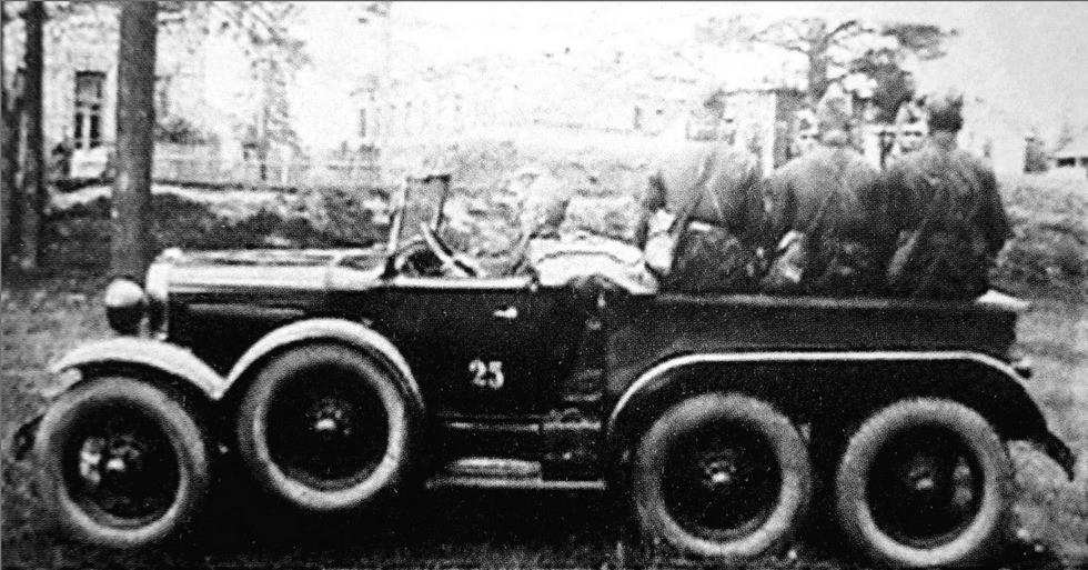Разведывательный автомобиль ГАЗ-ТК с открытым шестиместным кузовом