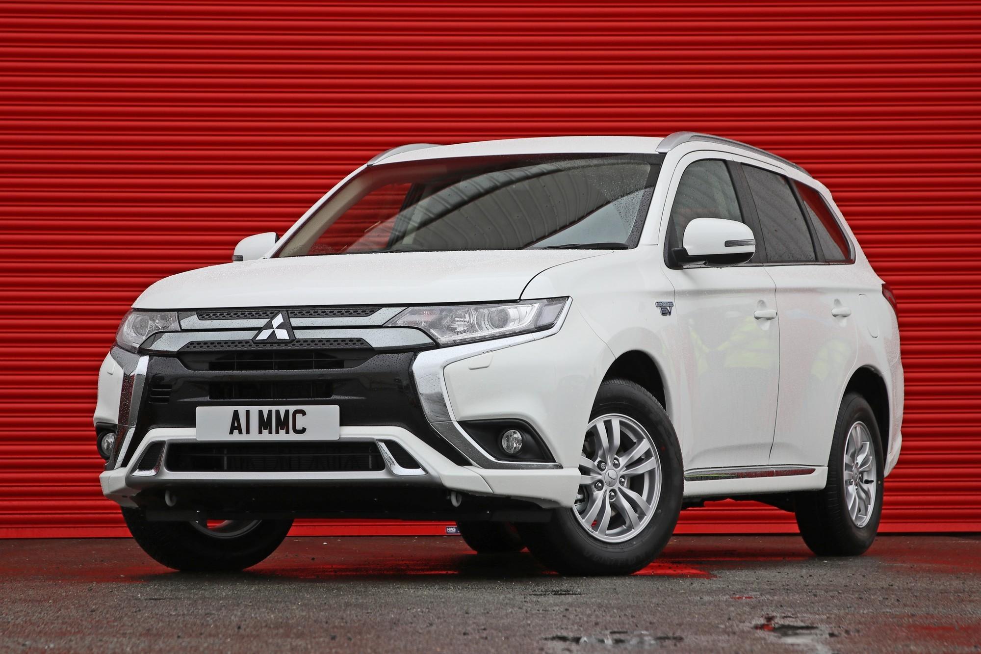Европа не отпускает: Mitsubishi может наладить выпуск своих новинок во Франции