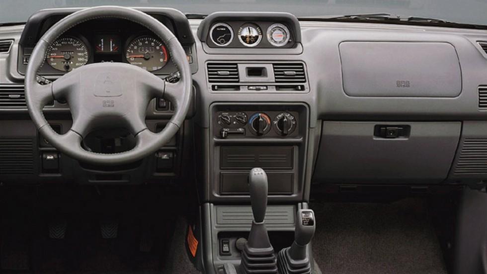 Торпедо Mitsubishi Pajero Metal Top '1997–99