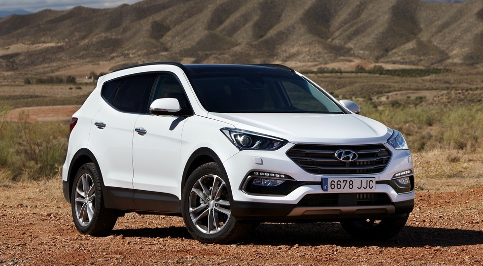 На фото: Hyundai Santa Fe Premium