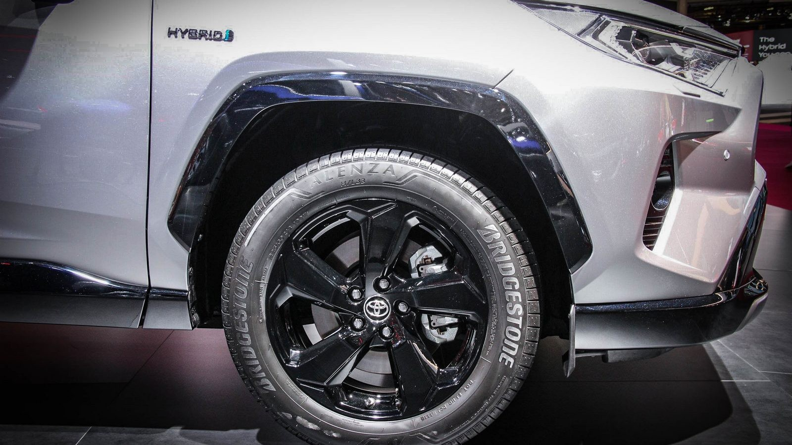 Toyota RAV4 колесо