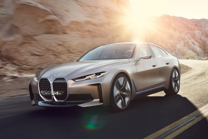 Седан BMW i4 минимализм в салоне и озвучка Циммера. Ну и суперноздри
