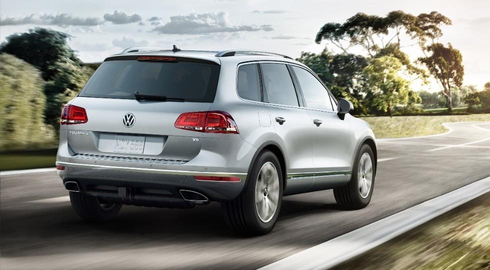 На фото: Volkswagen Touareg актуального поколения