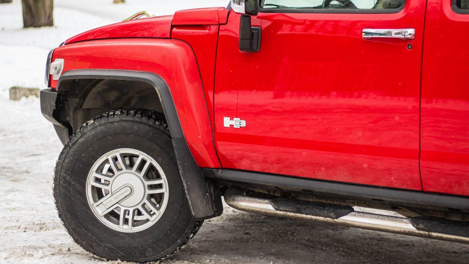 Hummer H3 красный