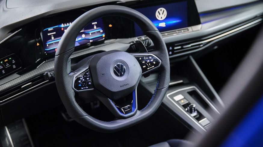 Производство прекращено: Volkswagen лишает американцев базового хэтчбека Golf