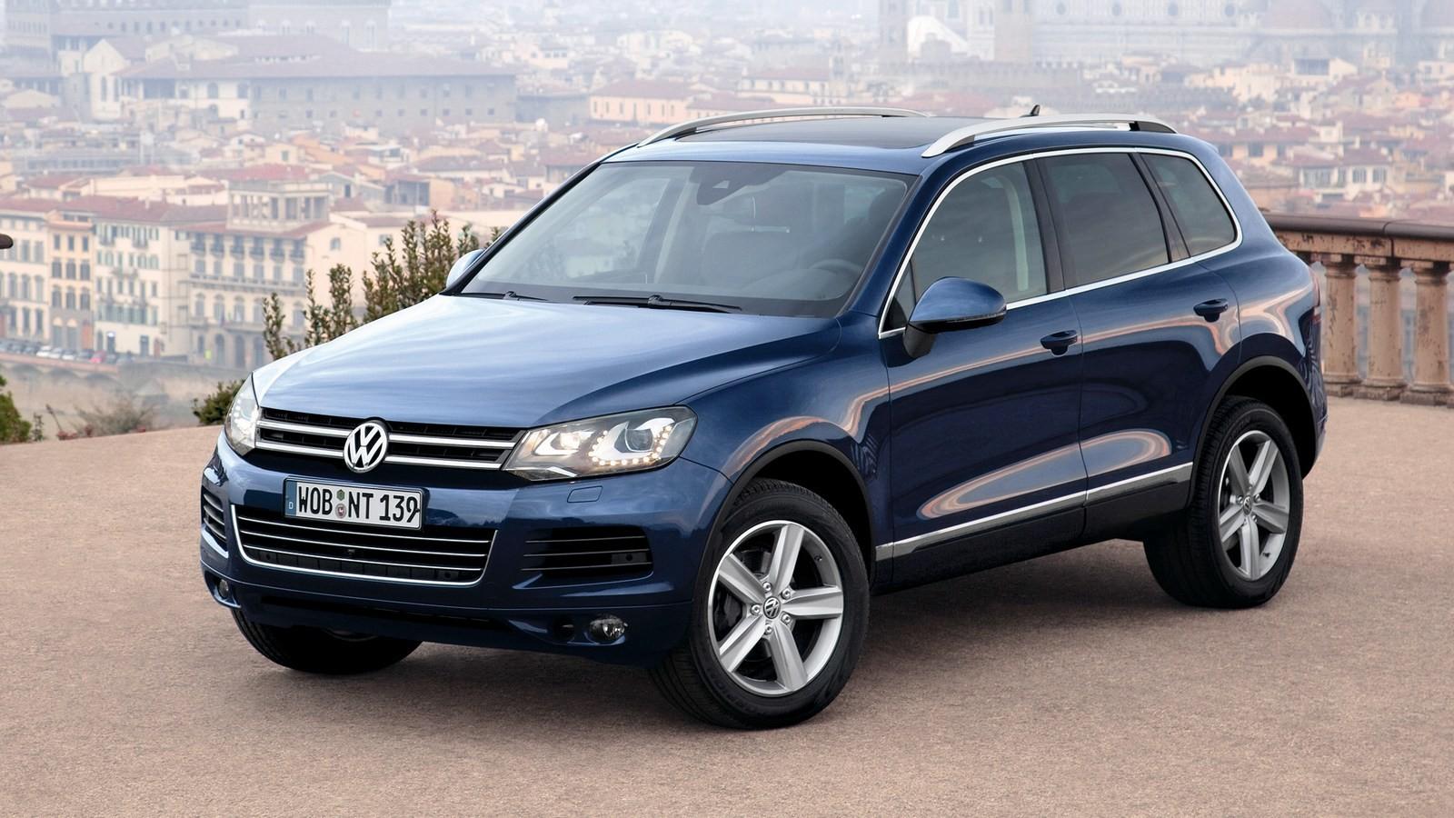 На фото: Volkswagen Touareg '2010–14
