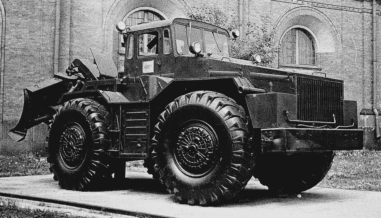 375-сильный тягач МАЗ-538 с двойной системой управления (фото автора)