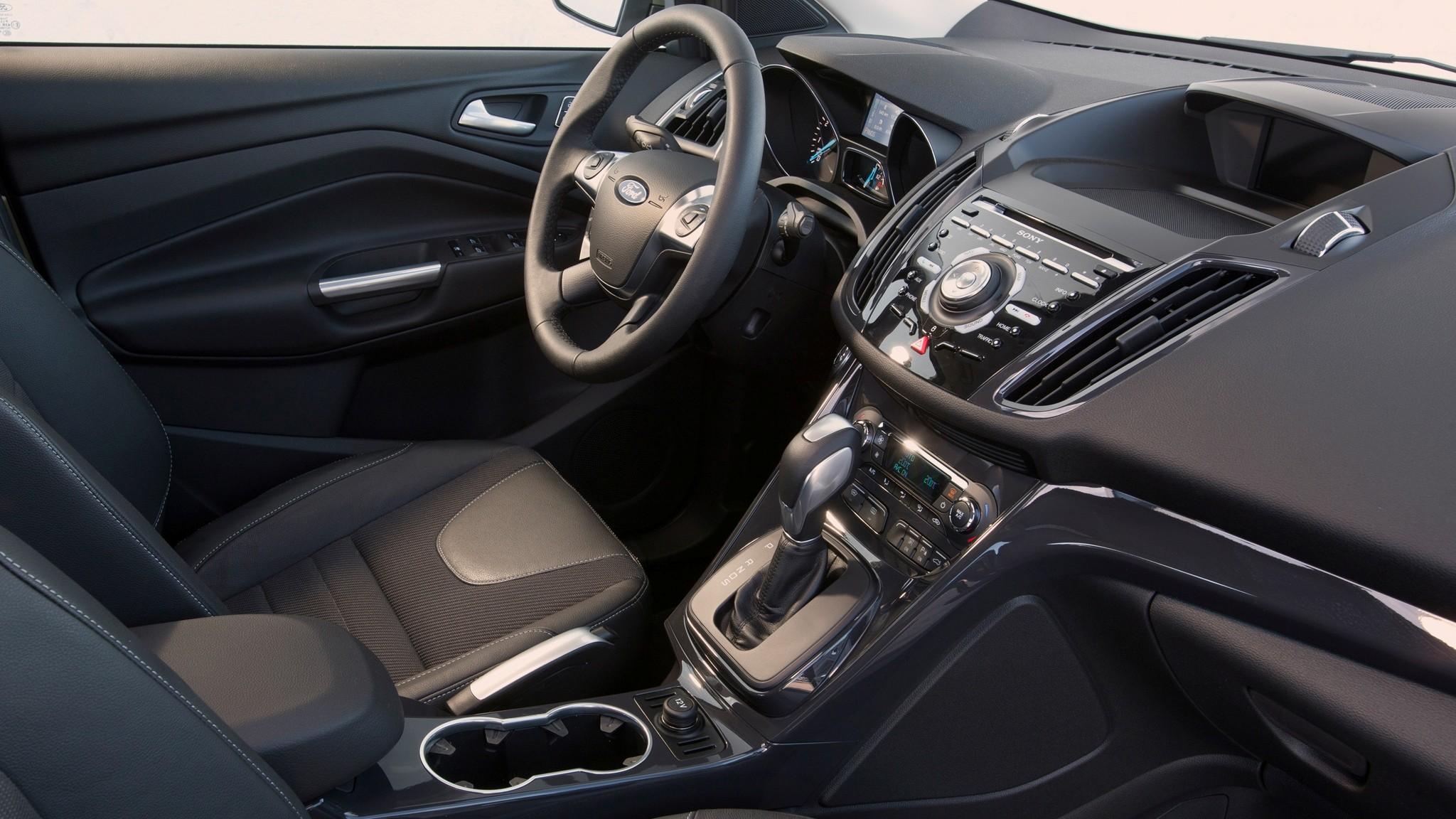 Полгода в ремонте: владелец неисправного Ford Kuga отсудил у завода 1,7 млн рублей