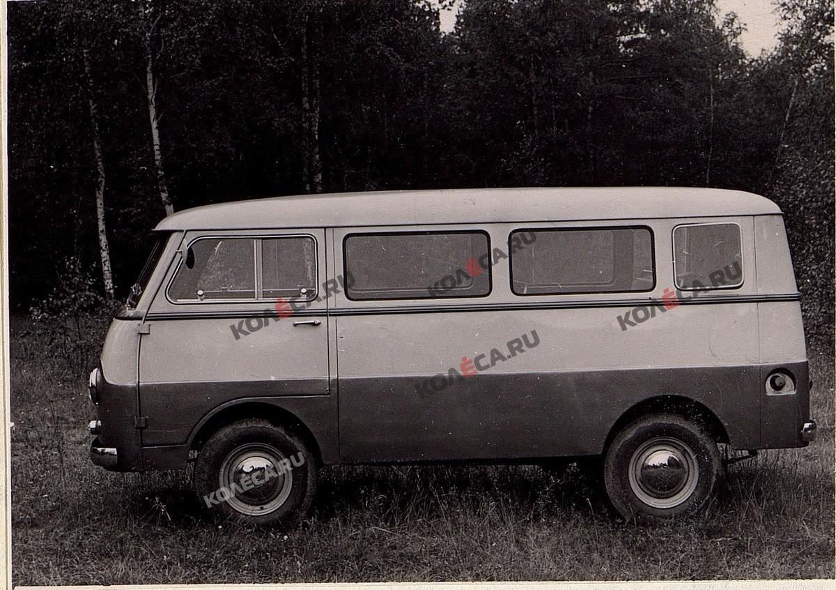 Автобус «Москвич»: почему на конвейер АЗЛК так и не встал конкурент «Буханке» УАЗ-451?