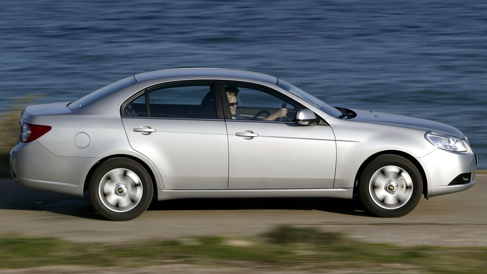 Chevrolet Epica (V250) '2006–08 сбоку