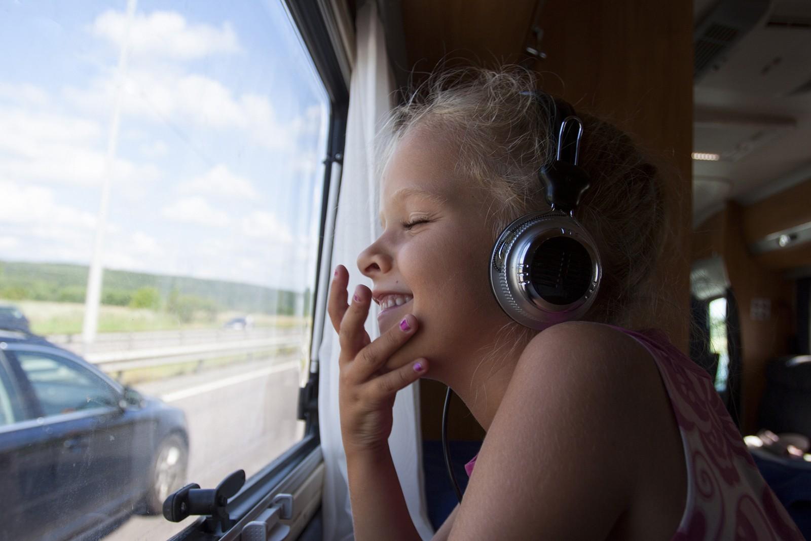Лето в автодоме: на фоне роста внутреннего туризма в России в 1,5 раза вырос спрос на дома на колесах, сообщают эксперты Авито Авто