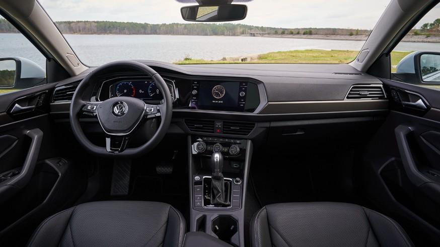 Volkswagen Jetta нового поколения для РФ: два мотора и цифровая «приборка»