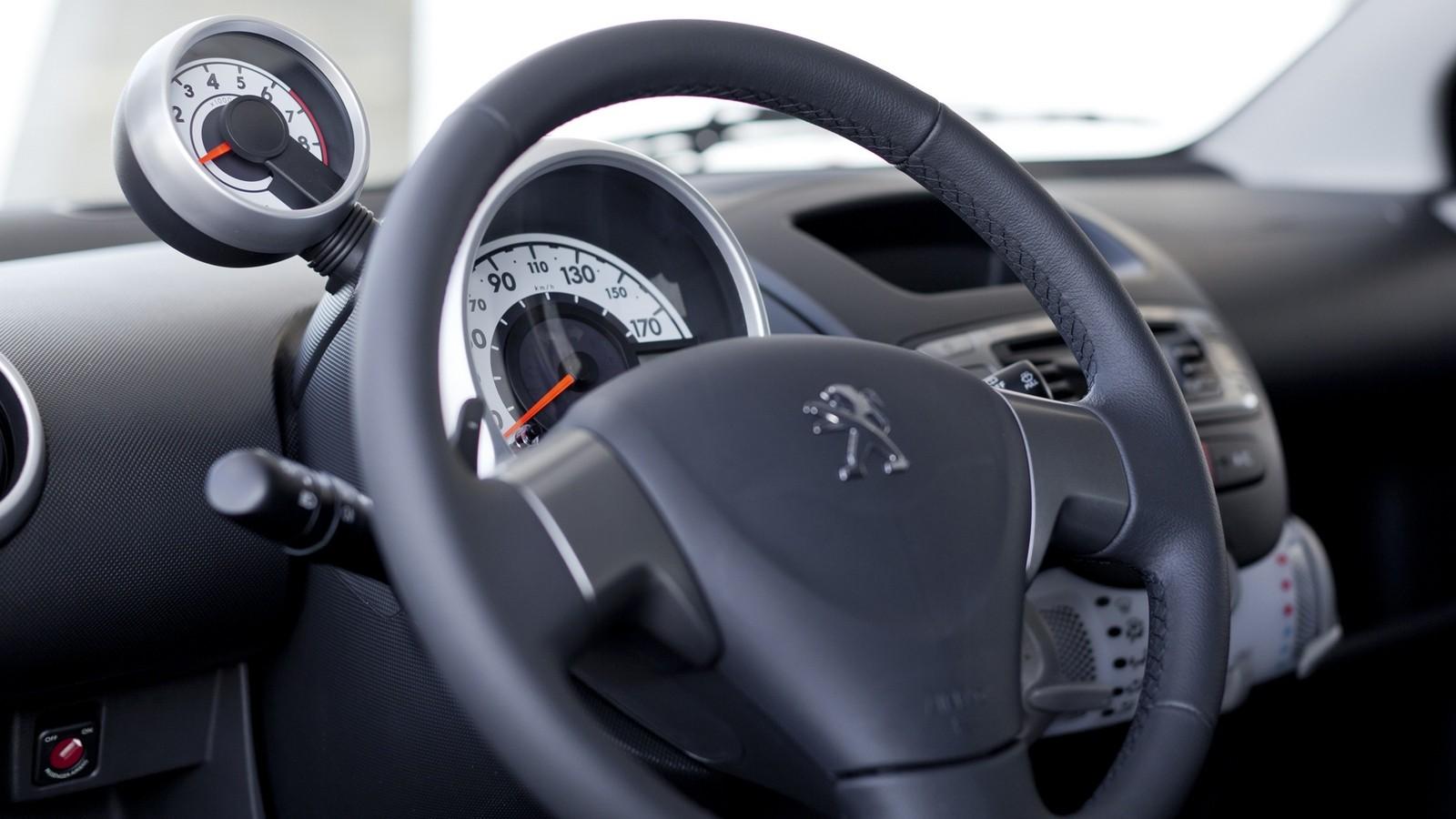 Торпедо Peugeot 107 5-door '03.2012–14