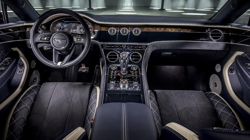 Кабриолет Bentley Continental GT Speed: на трансформацию мягкого верха нужно 19 секунд