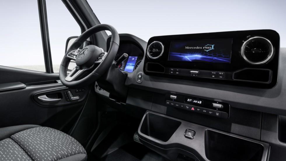 Интерьер нового Mercedes-Benz Sprinter