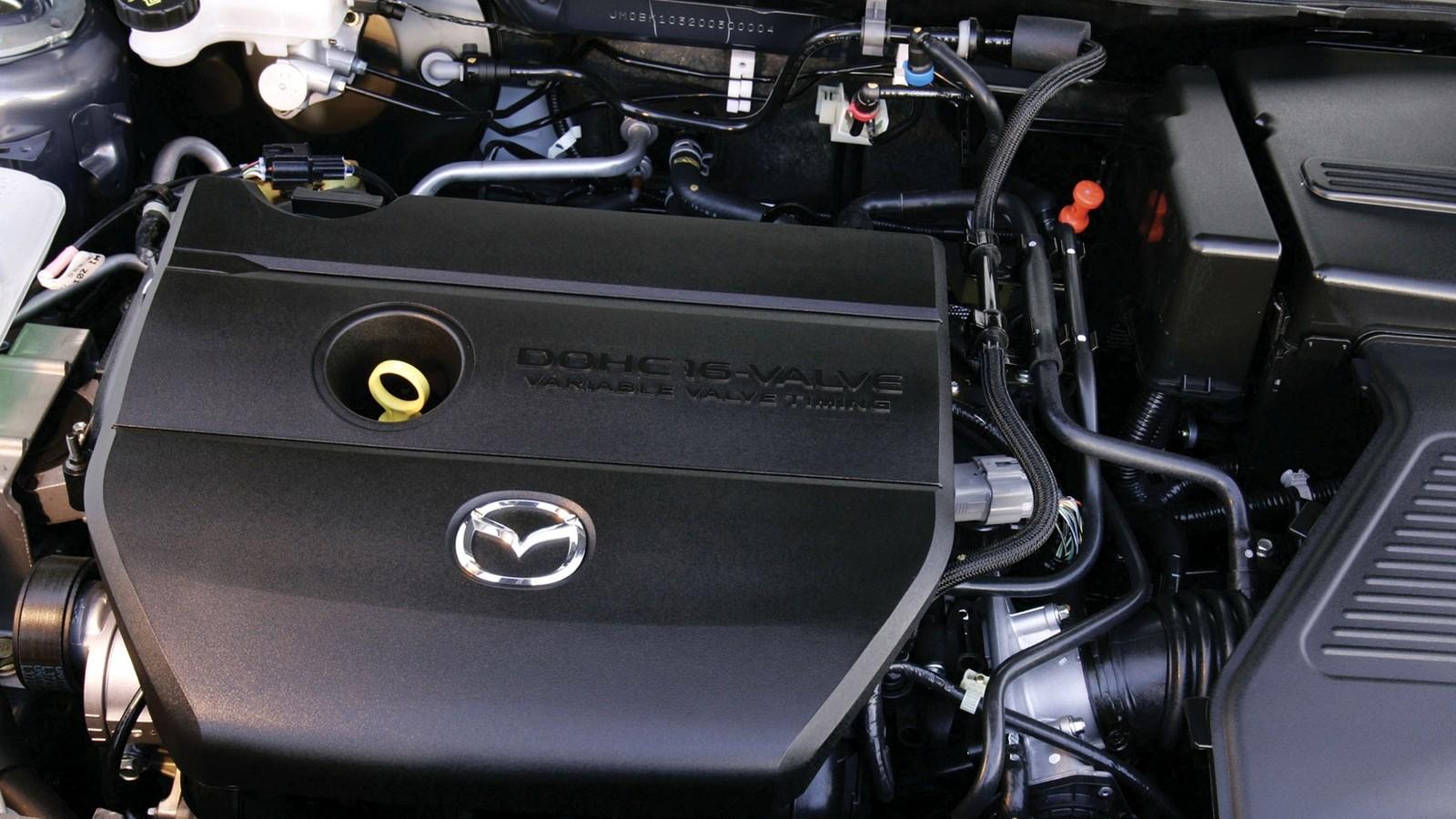 На фото: Под капотом Mazda3 Hatchback SP23 (BK2) '2006–09