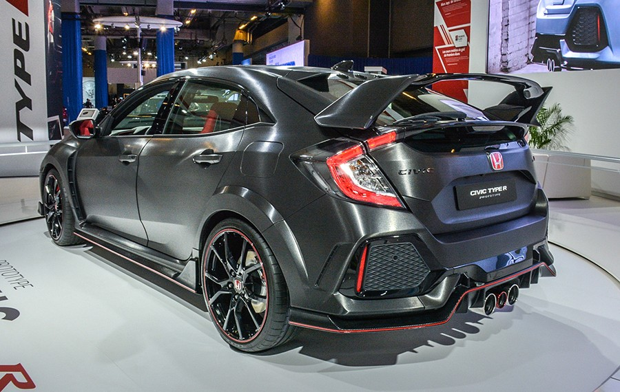 honda-civic-type-r-prototype-live-at-montreal-auto-show (2)