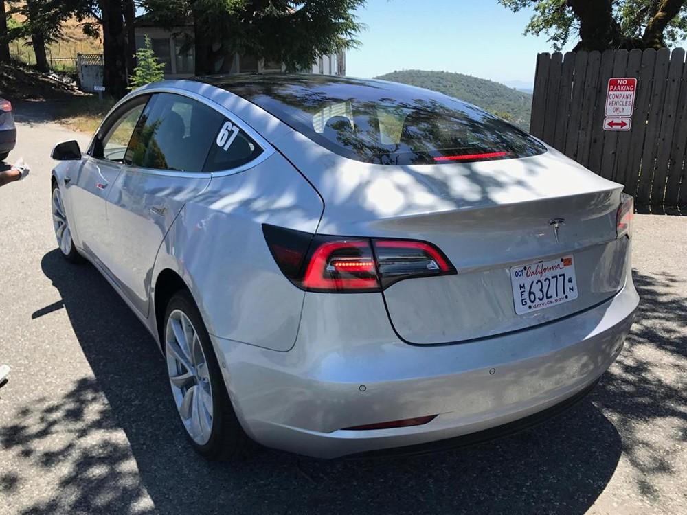Tesla-Model-3-Spied-5