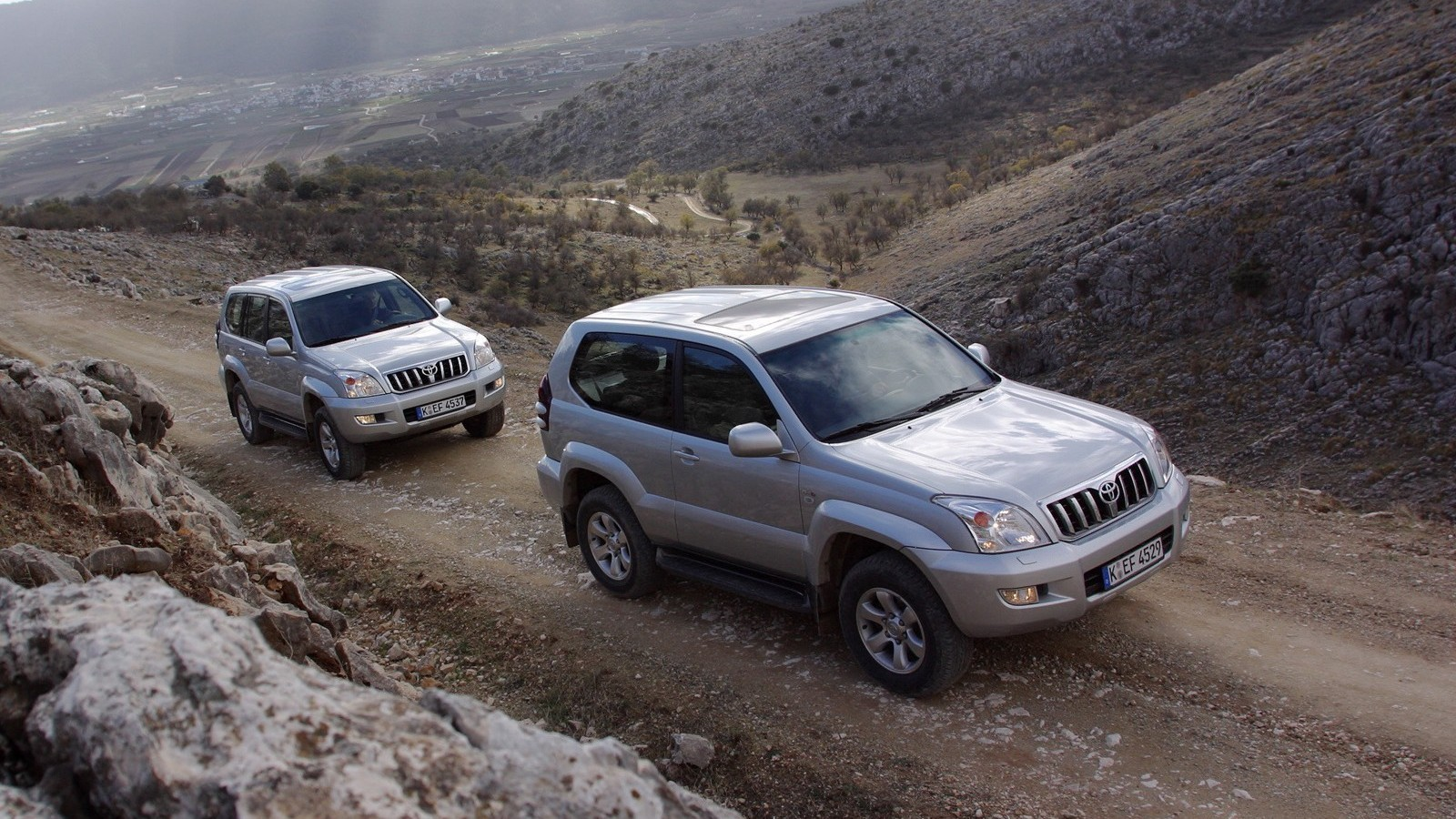 На фото: Toyota Land Cruiser Prado (120) '2002–09