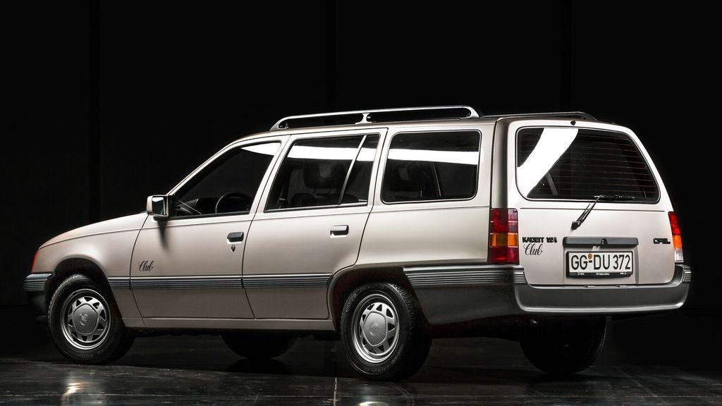 Брат на сестру: сравнение Opel Kadett E и Daewoo Nexia
