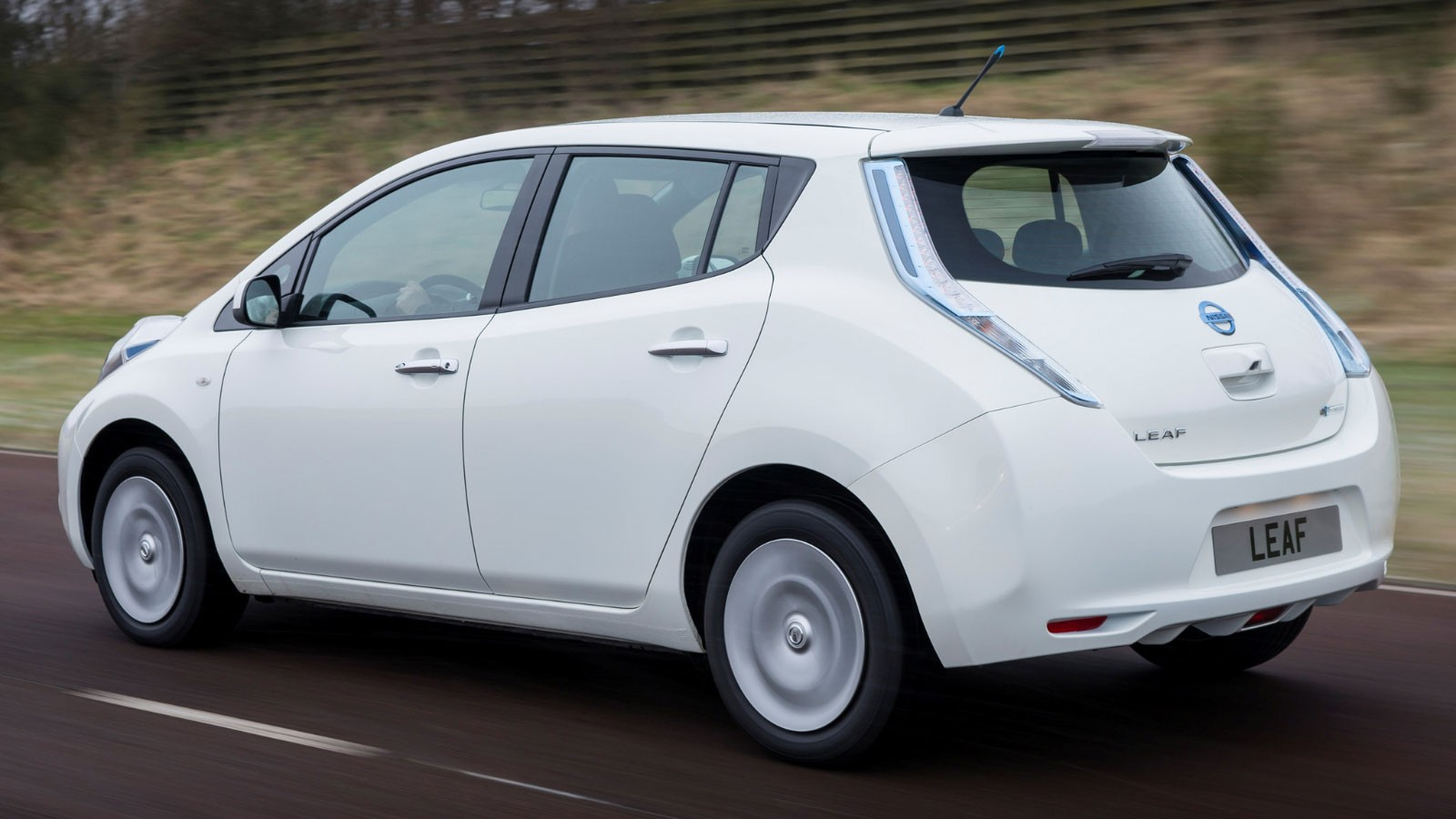 Тест-драйв электромобиля Nissan Leaf