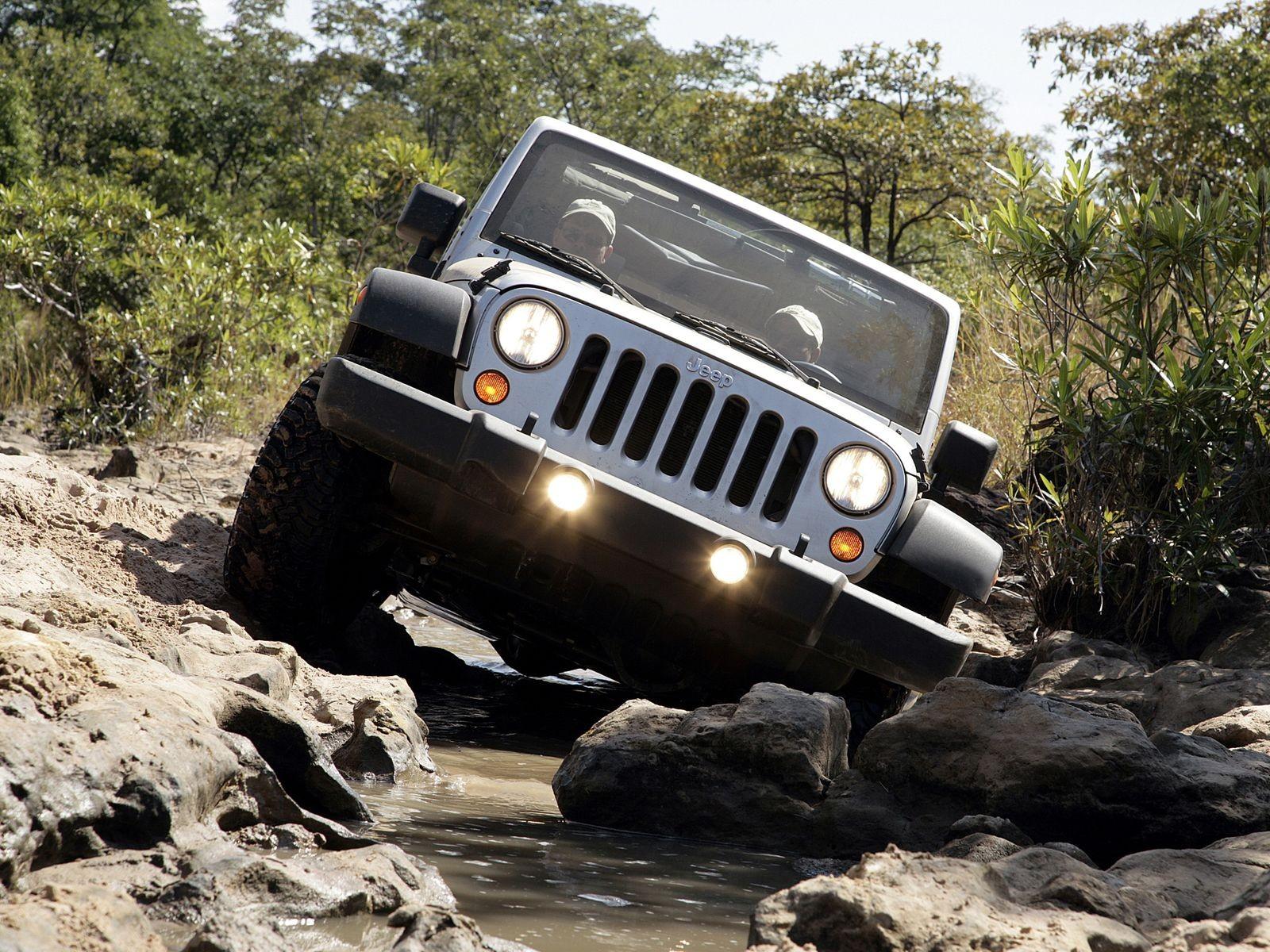 Если мальчик вырос мужчиной: стоит ли покупать Jeep Wrangler III за 2 миллиона рублей