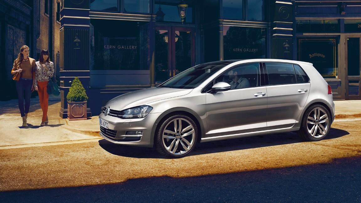 На фото: лидер европейского рынка — Volkswagen Golf.
