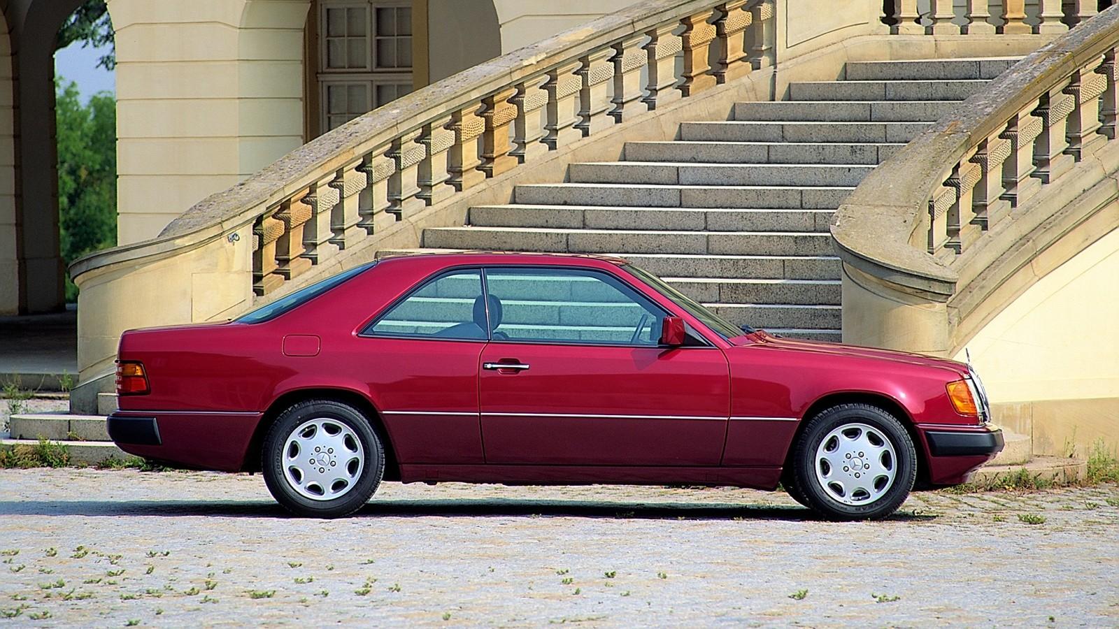 На фото: Mercedes-Benz (C124) '1992–1993