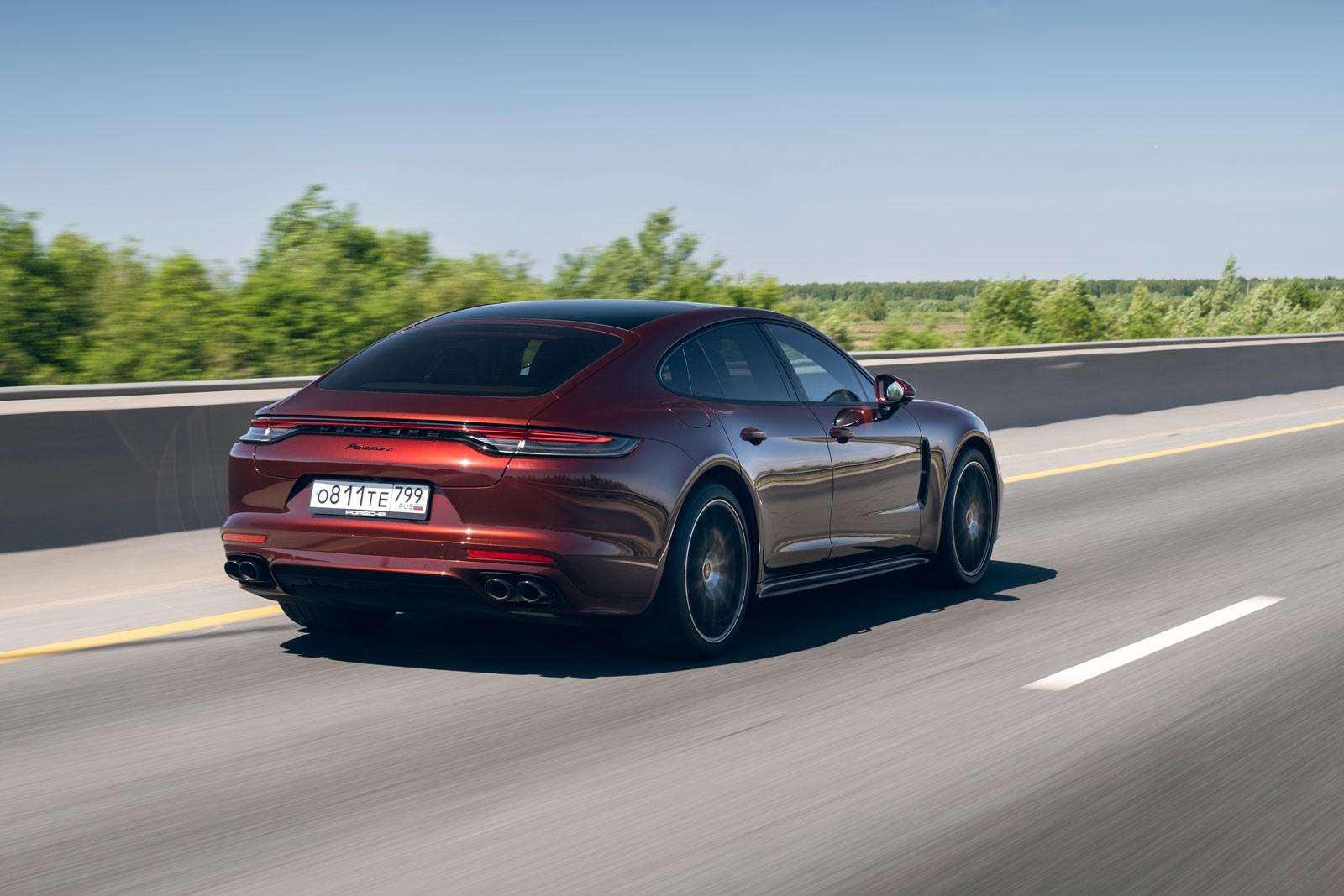 Автомобиль другого измерения: тест обновленного Porsche Panamera