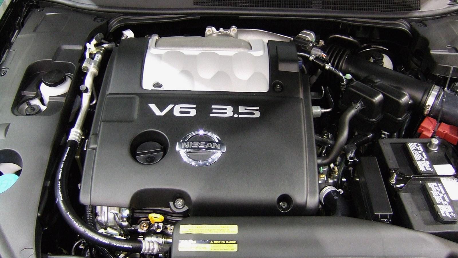 На фото: Nissan VQ35