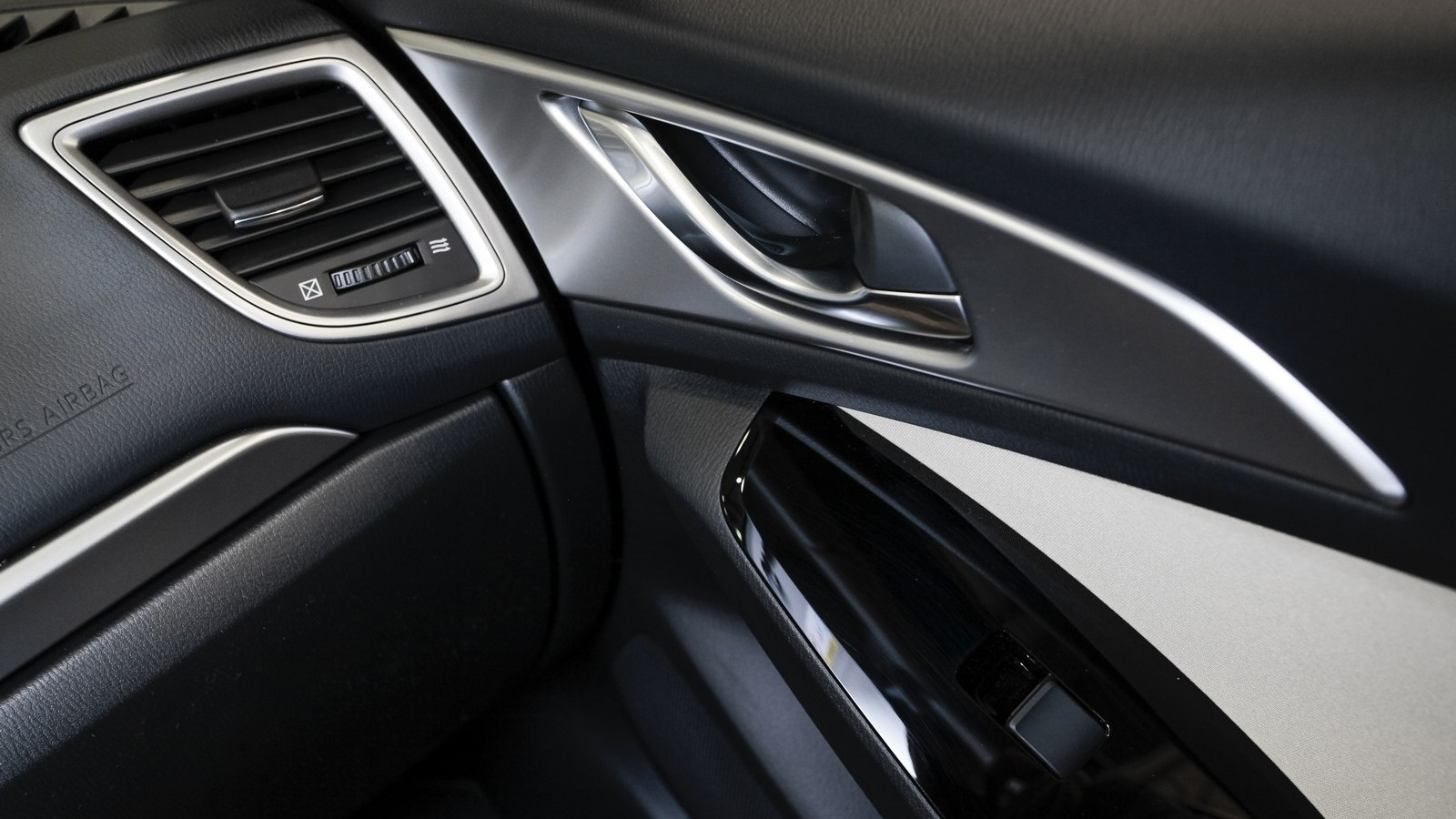 Mazda3_IPM_interior_006