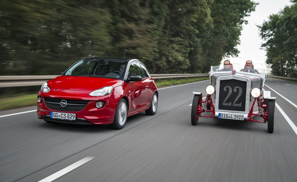 Opel ADAM meets the Loryc Electric Speedster