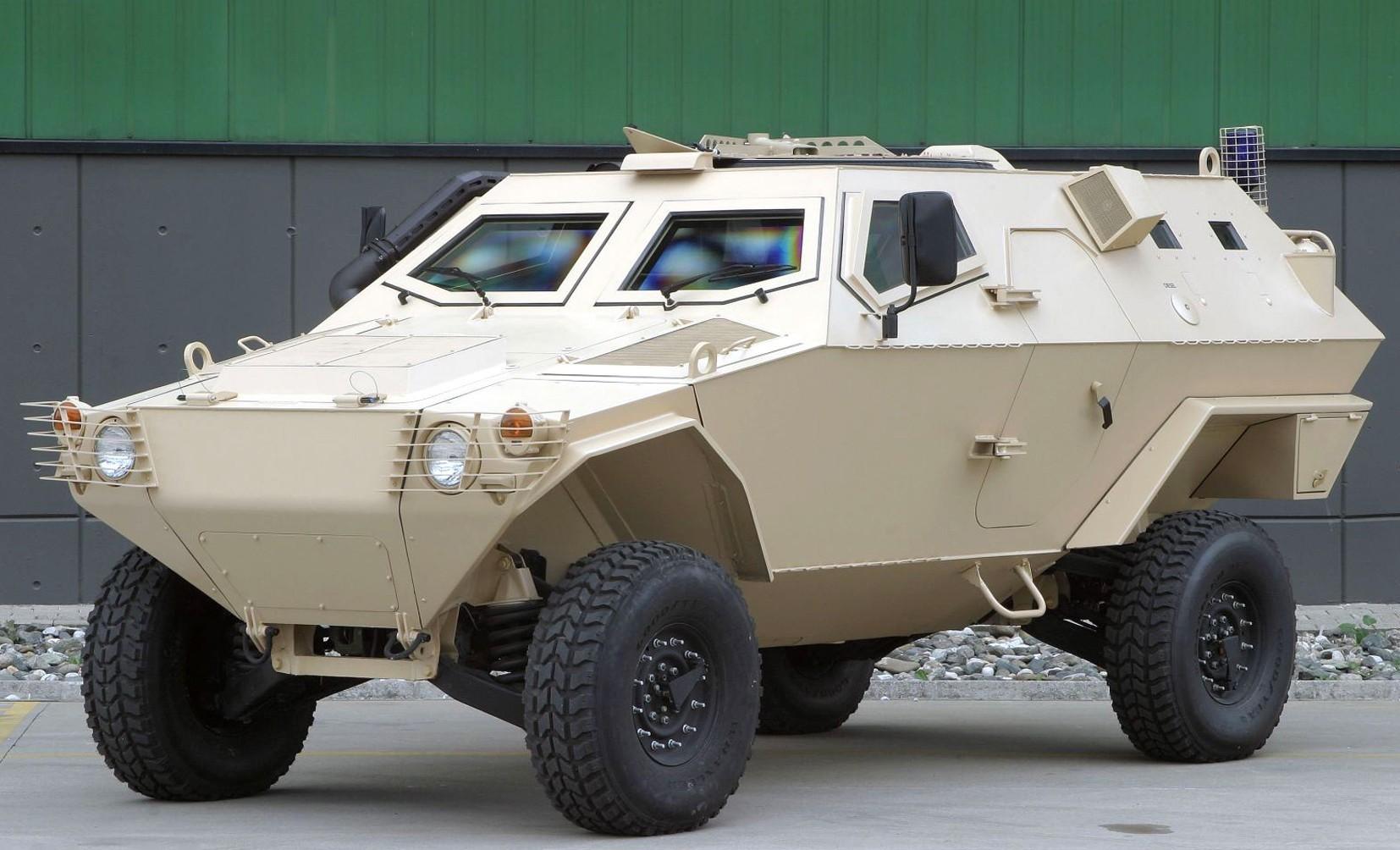 Многоцелевая машина Otokar Cobra в варианте бронетранспортера