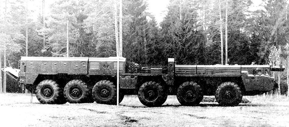 Транспортно-перегрузочная машина 15Т116 комплекса «Пионер» без контейнера (из архива МЗКТ)