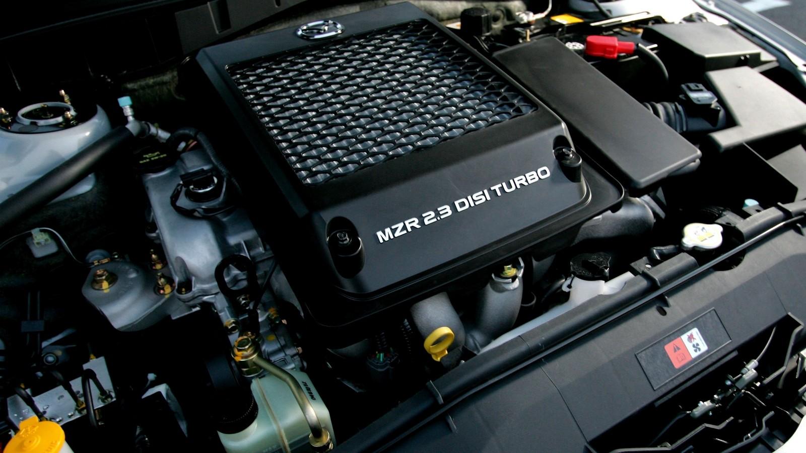 На фото: Под капотом Mazda6 MPS '2005–07