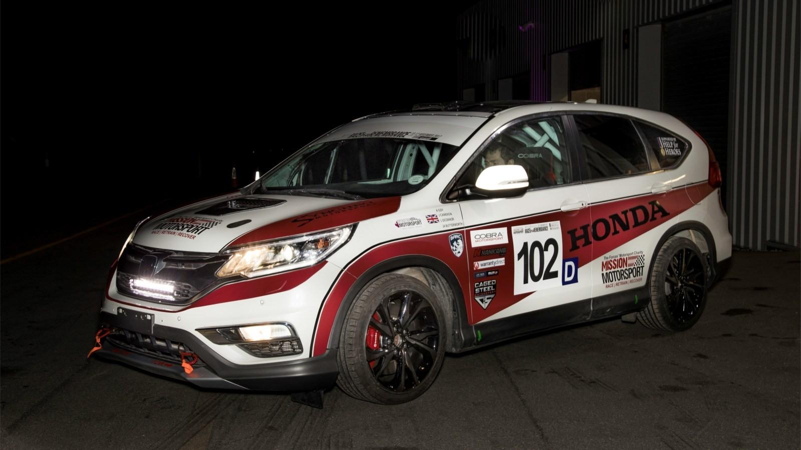 123604_Honda_UK_and_Mission_Motorsport_create_first_ever_CR_V_diesel_race_car_for