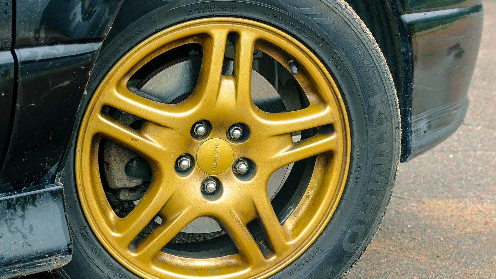 Subaru Legacy колесо