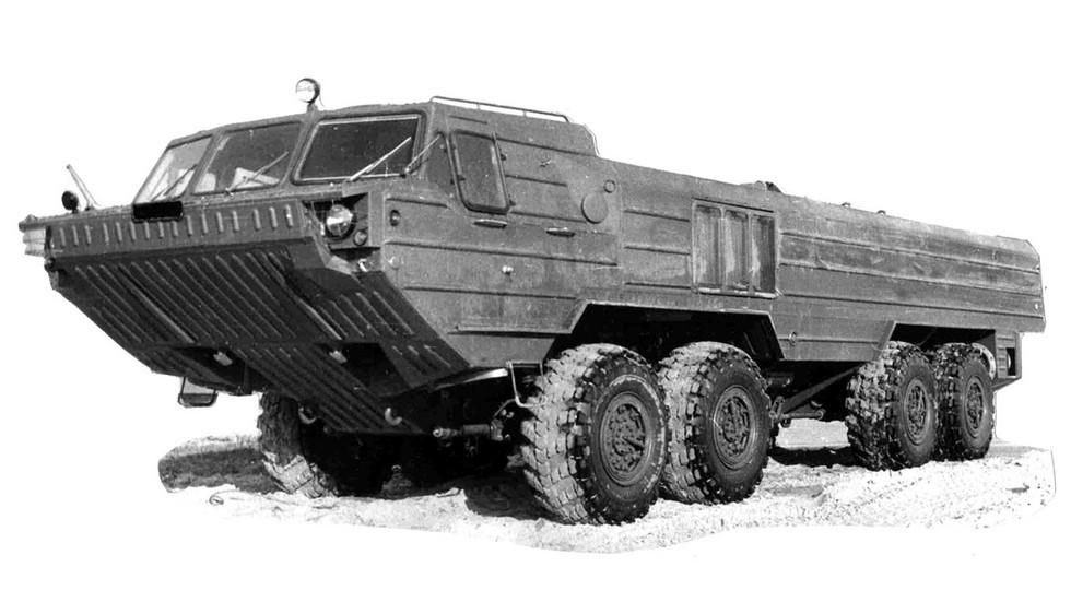 Второй вариант БАЗ-6944 с узкой водоотражающей панелью корпуса (из архива 21 НИИЦ)
